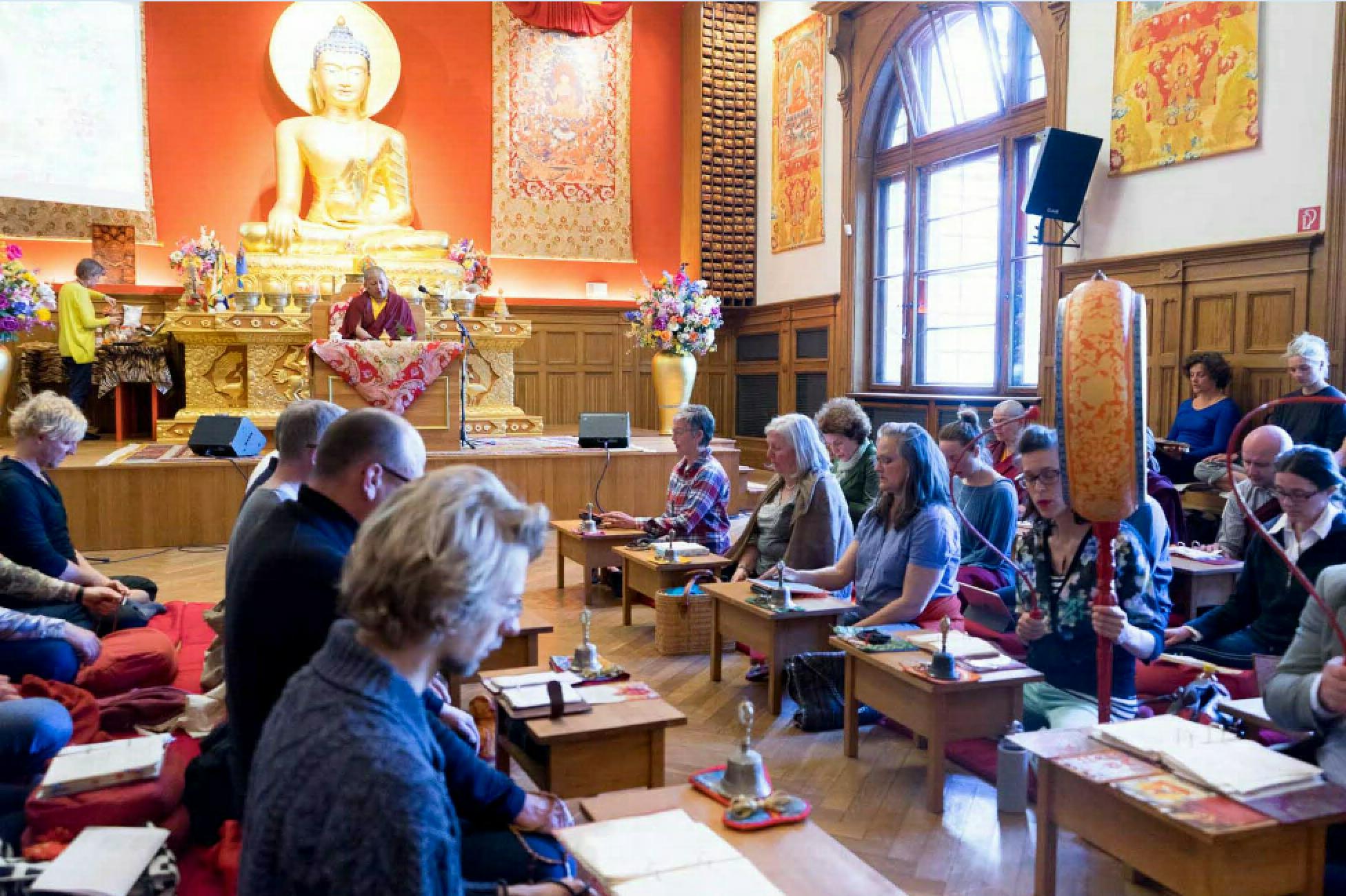 Tsok Praxis am Guru Rinpoche Tag mit Khandro Rinpoche und der Rigpa Sangha, Dharma Mati am 25. April 2018