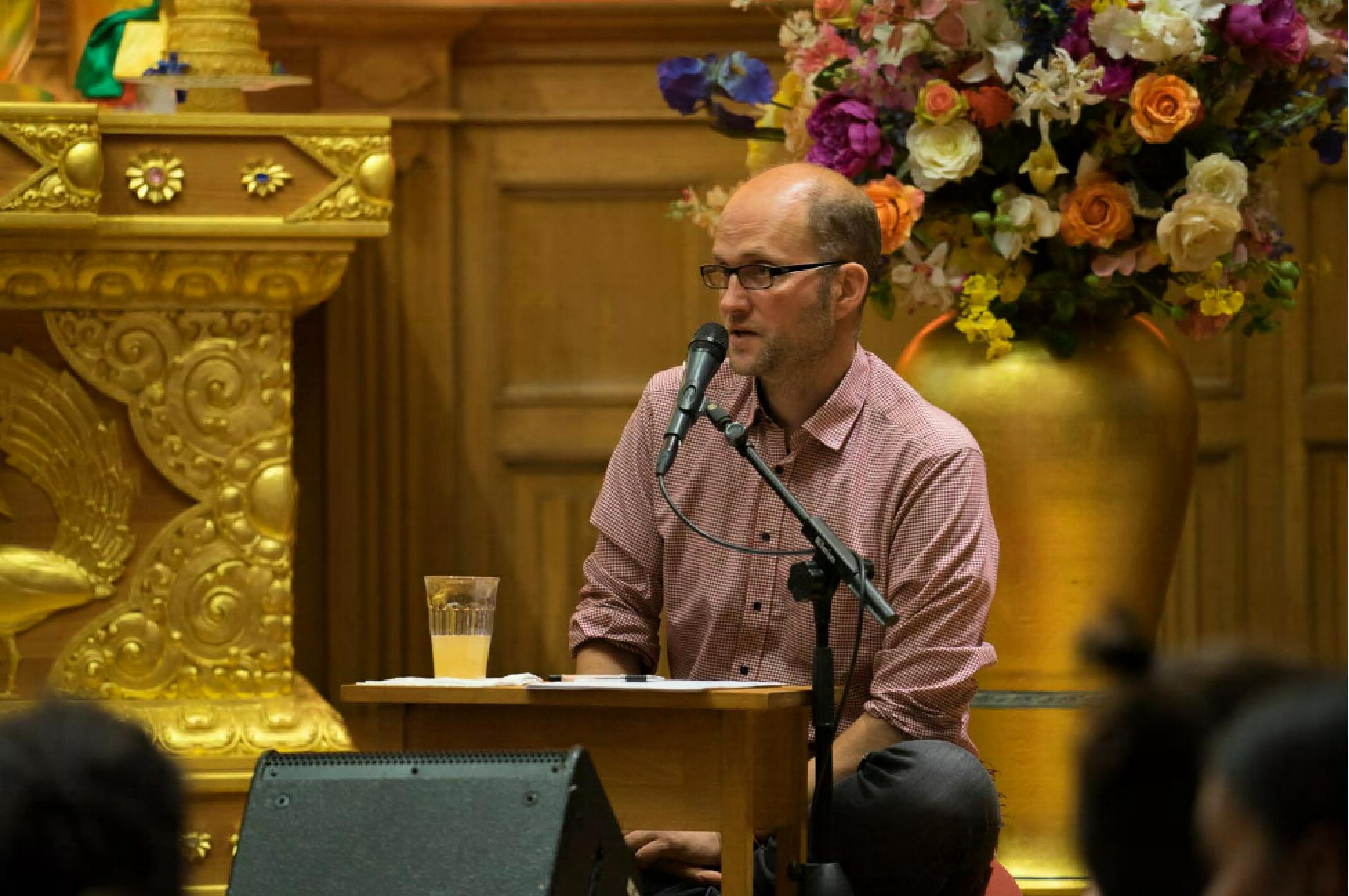 Khandro Rinpoche; Übersetzer Arne Schelling im Dharma Mati 24./25. April 2018