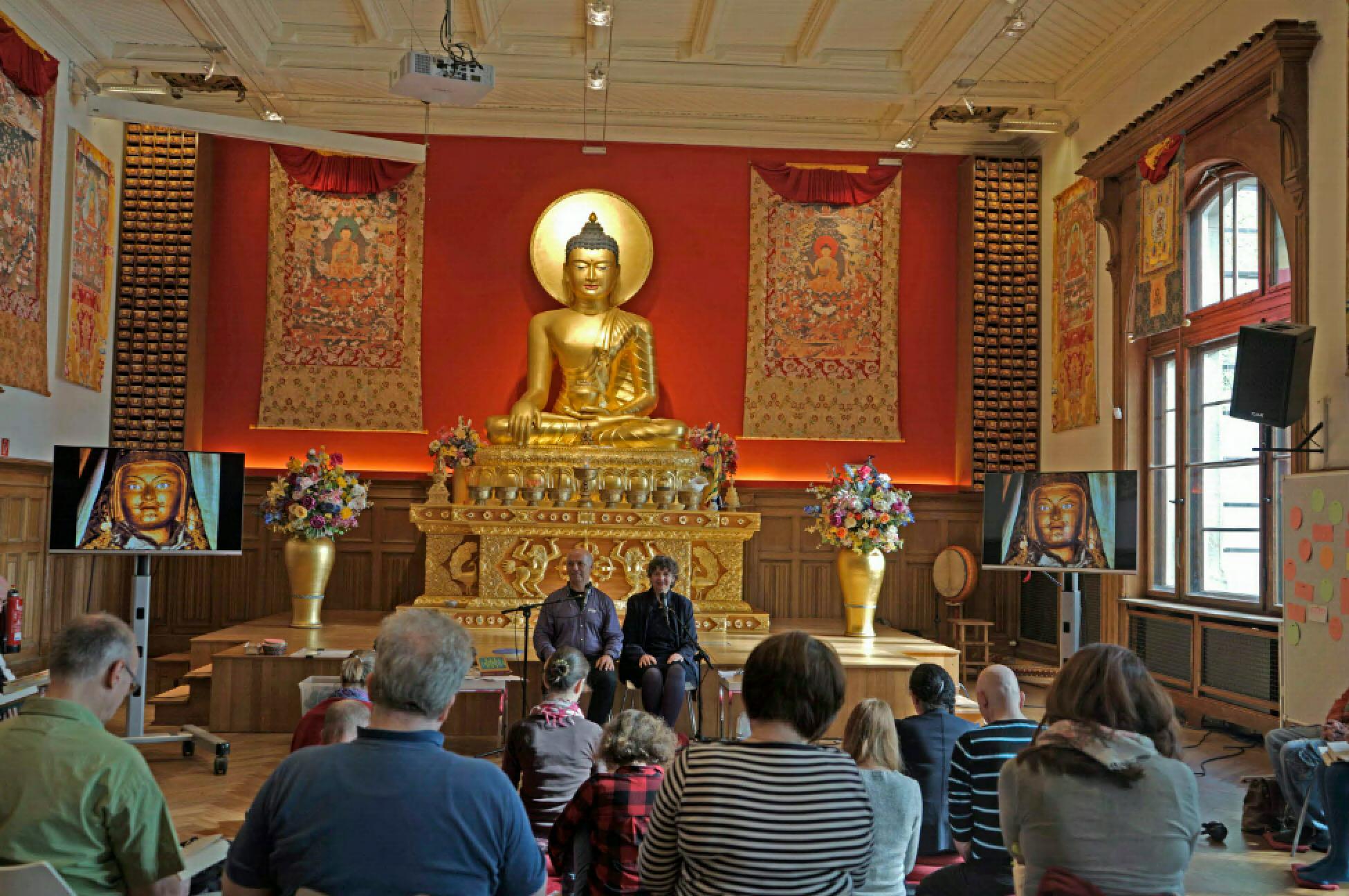 Erscheinung des Tibetischen Buchs vom Leben und vom Sterben auf Deutsch, Sogyal Rinpoche (1993)