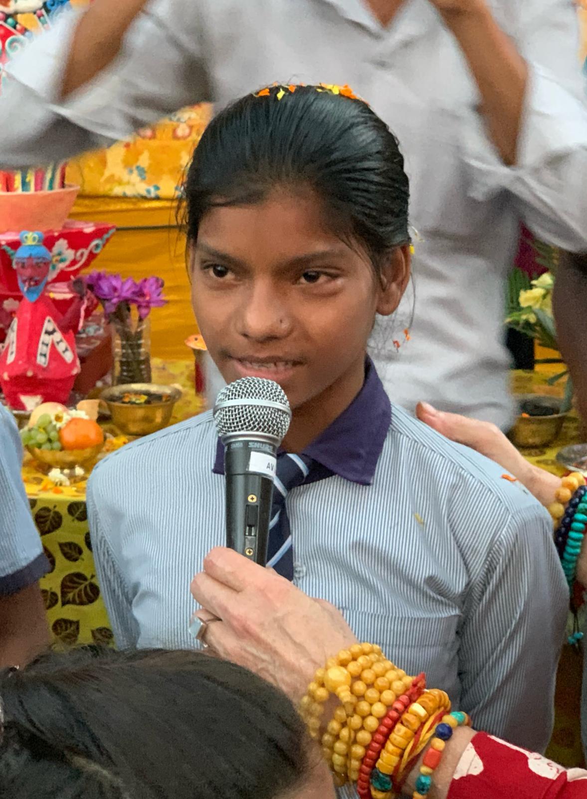 Schüler*innen eines Schulprojektes in Gaya.. Rigpa Gebetsfest, März 2019, Bodhgaya (Indien)