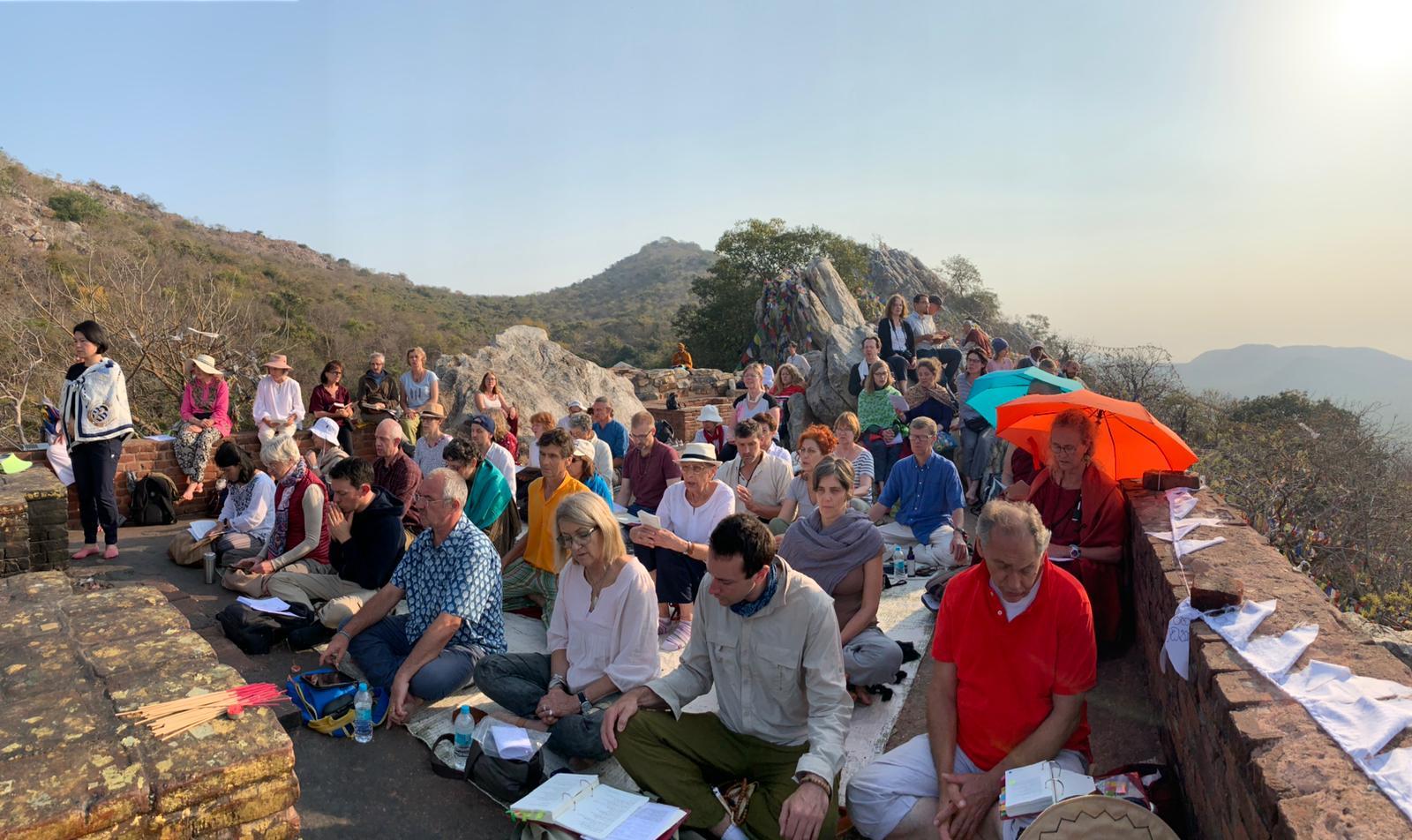Ausflug auf den Geiergipfelberg, auf dem Buddha gelehrt hat. Rigpa Gebetsfest, März 2019, Bodhgaya (Indien)