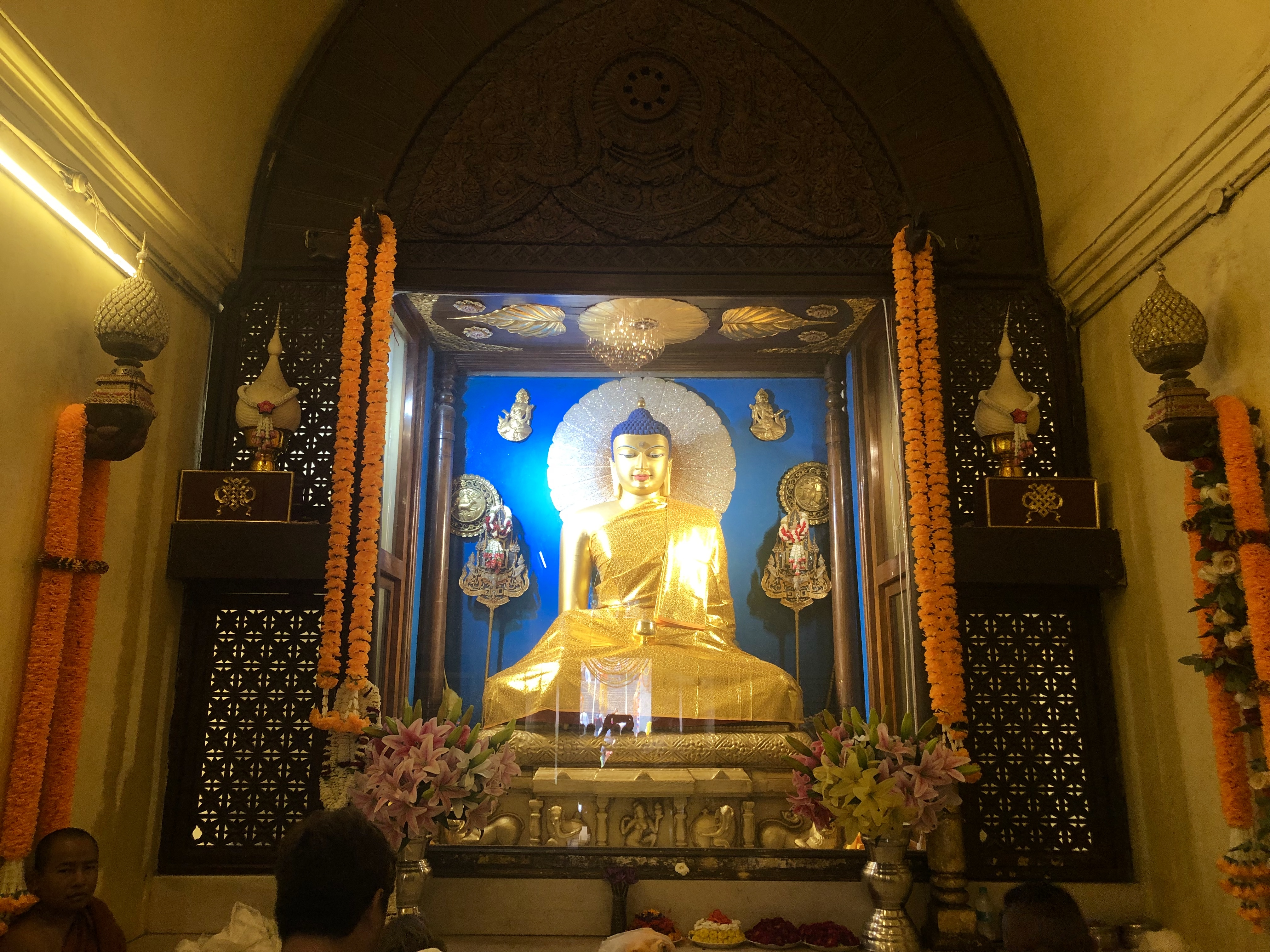 Buddha-Statue im Mahabodhi-Tempel. Rigpa Gebetsfest, März 2019, Bodhgaya (Indien)